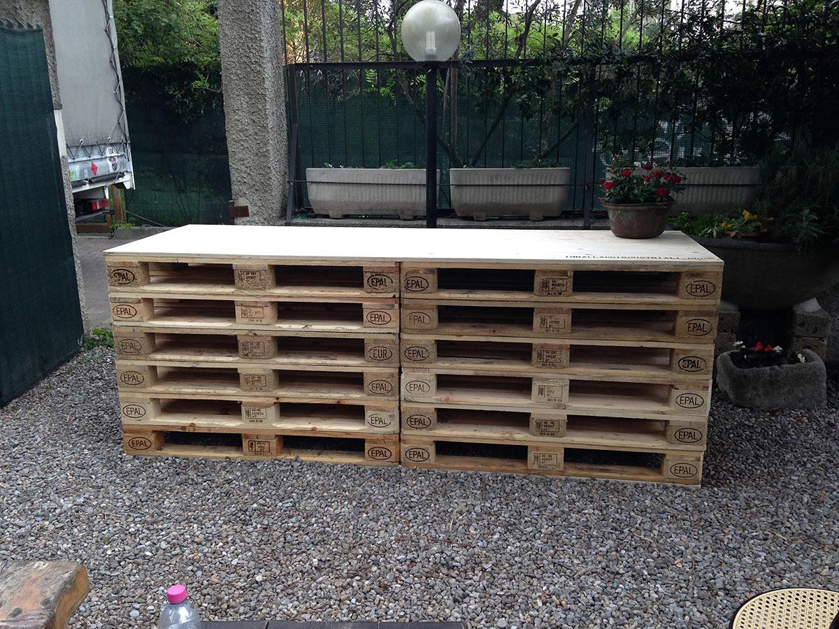 Pallet in abete per arredamento orto urbano