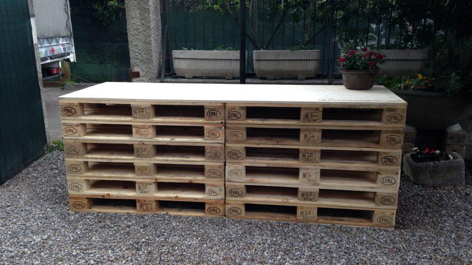 Bancone di pallets c o bar alla stanga monza orto urbano - Arredamento esterno bancali ...